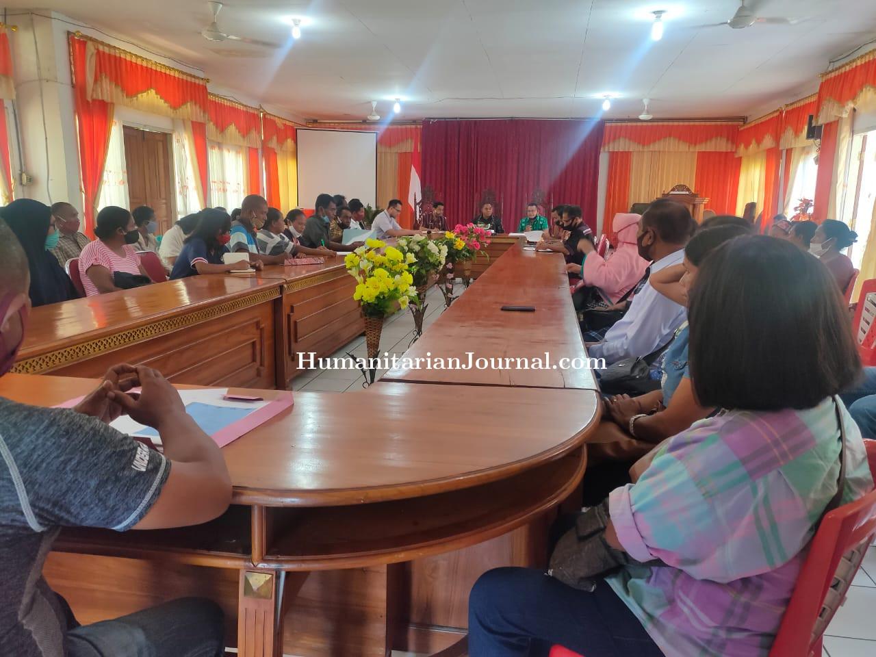 Dialog_Orang_Tua_Korban_Program_Selamatkan_orang_Muda_Florim_dengan_Bupati.jpeg