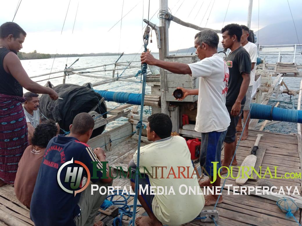 Kapal_Ikan_di_luncurkan_Desa_Hadakewa_memacu_Produksi_Ikan_Teri.jpeg